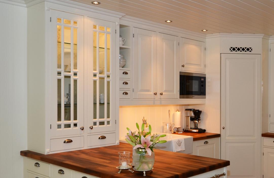 Kjøkken med innenforliggende fronter