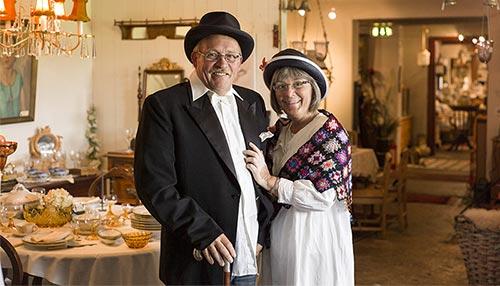 Odd Arne og Kristin som driver antikkbutikken