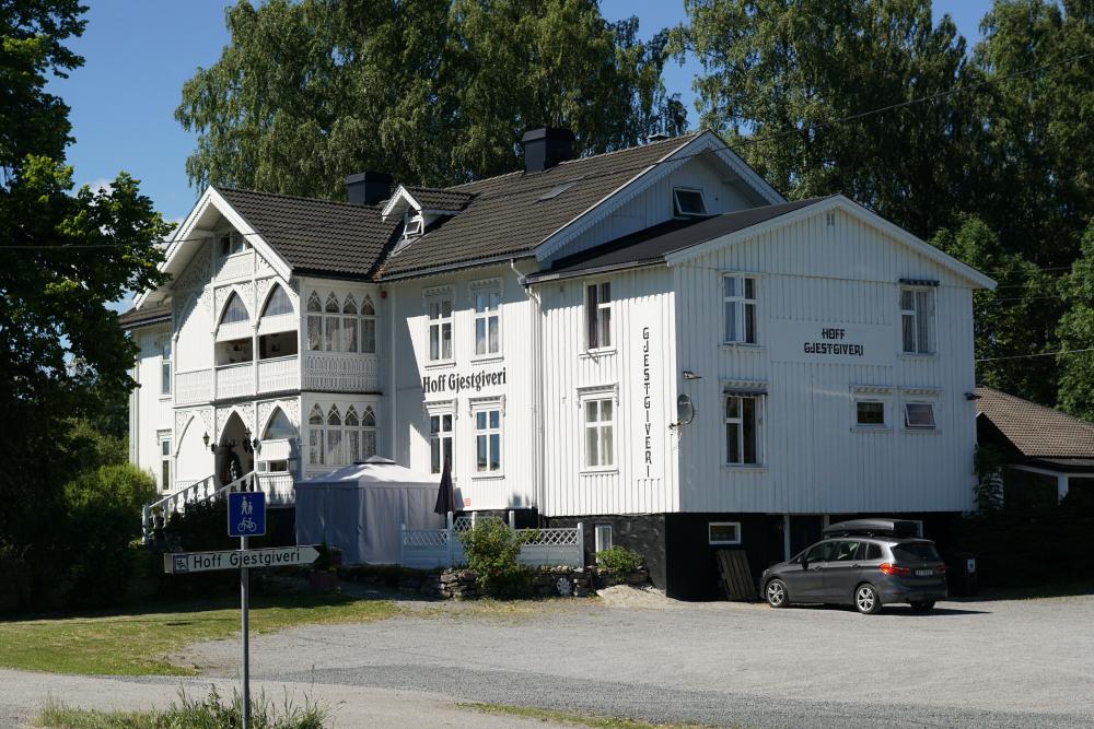 Hoff gjestgiveri fasade fv33 2018